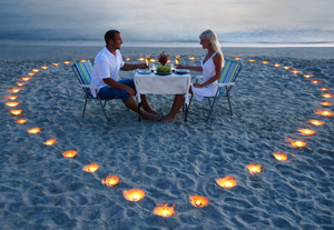 Heiratsantrag am Meer - Candle-light-Dinner romantisch am Strand
